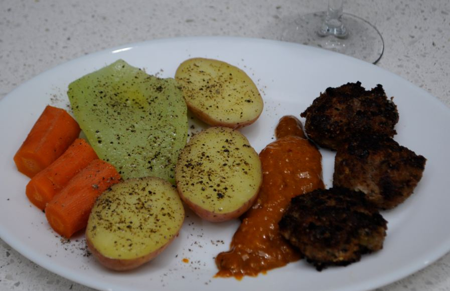 Aussiehunter roo rissoles and vegetables