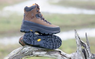 SPIKA's Kosci hiking boots feature a band rubber protection and deep-treaded Vibram soles